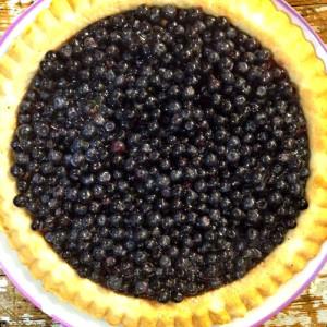 Черничный пирог с песочном корже